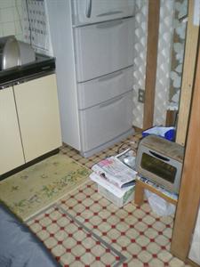 キッチン フローリングと床下収納